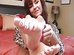 feet fetish foot-fetish masturbation milf
