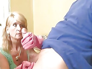 milf close-up cumshot handjob