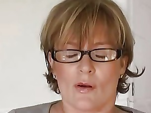 amateur close-up masturbation mature milf