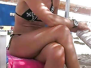 milf foot-fetish beach