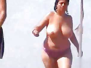 mature bbw boobs amateur big-tits beach