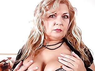 milf stunning blonde bbw mature