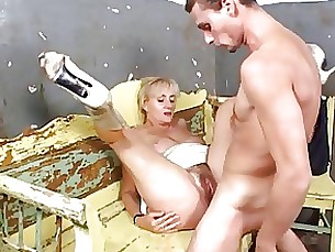 mature housewife hairy granny anal