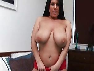 amateur brunette masturbation mature playing solo