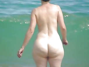 stunning mature beach ass amateur