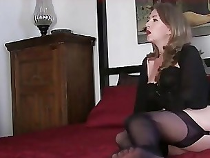 mistress milf mature mammy foot-fetish fetish