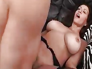 hardcore mature blowjob couch fuck hairy