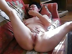 amateur fingering granny masturbation mature solo
