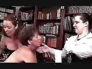 threesome mature lesbian