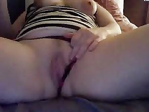 amateur big-tits boobs milf playing webcam