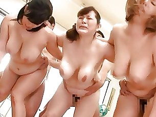 milf mammy playing boobs japanese