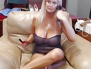 blonde mature milf toys webcam