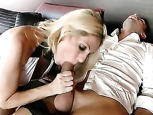 blonde mammy milf squirting