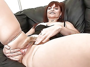 playing milf mature masturbation hairy fingering