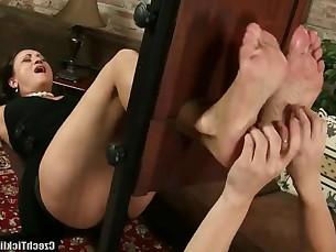 feet lesbian mammy