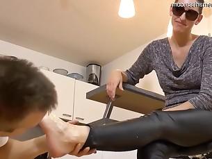 babe brunette feet foot-fetish lactation licking mature