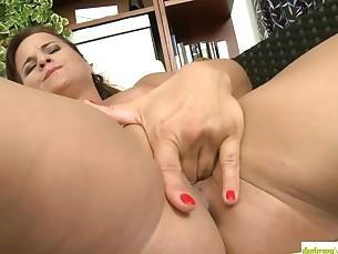 ass brunette curvy fingering masturbation mature pussy