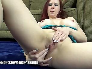 amateur big-tits cougar curvy fingering fuck homemade housewife masturbation