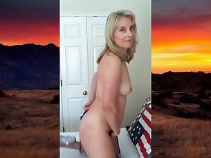 babe bikini blonde cougar juicy mature milf nude