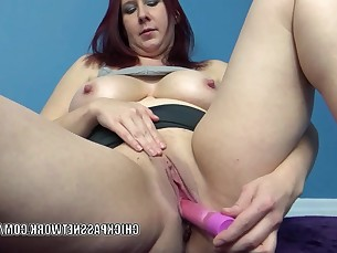 amateur big-tits cougar curvy dildo bbw fatty homemade housewife