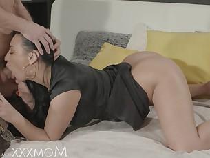 babe brunette cumshot doggy-style erotic fingering hardcore hot mammy