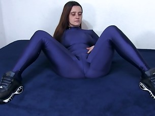 amateur babe brunette feet fetish foot-fetish latex mammy milf