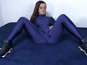 amateur babe brunette feet fetish foot-fetish latex mammy milf