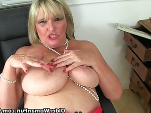 amateur big-tits blonde bus busty dildo bbw kitty mature
