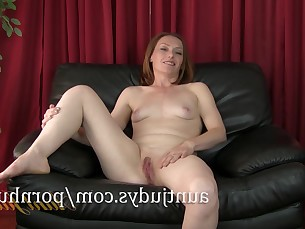 beauty casting mammy milf redhead