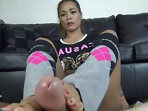 feet foot-fetish footjob friends mammy milf