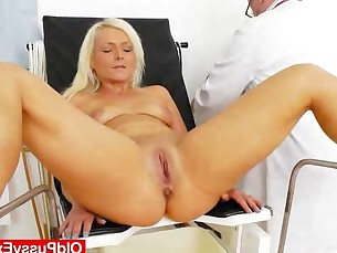 blonde double-penetration fetish small-tits little mammy mature milf pussy