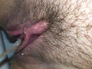 amateur babe blonde close-up homemade juicy milf pussy squirting