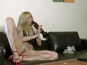 amateur babe blonde dildo fingering hardcore masturbation milf playing