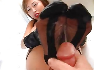 cumshot fetish foot-fetish footjob japanese milf nylon stocking